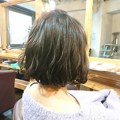暗めだけど透けるモテ髪! salon trim所属・熊谷勇揮のスタイル