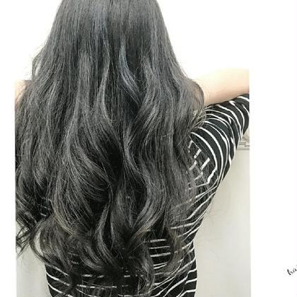 ダークグレー。 黒っぽくしたいけど黒じゃないグレー(^^) haircaresalon HOLGA所属・HOLGAタクミのスタイル