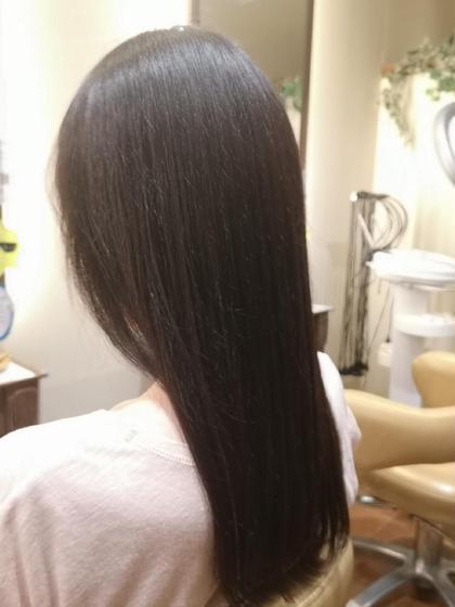 💖ダメージレスの髪質改善カラー💖 髪質に合わせてトリートメントを使い、カラーを同時に施術することでダメージを減らし、ハリコシとしなやかで潤いのある髪にしていきます🎵 ダメージがある髪もキレイになっていきます💕 Pensiero所属・髪質改善師トヨシマのスタイル