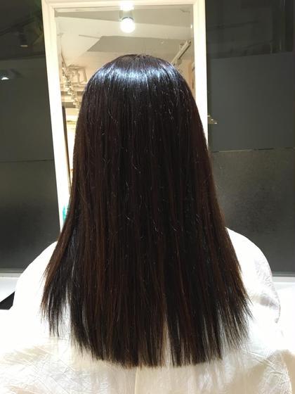 半年ぶりの縮毛矯正でしたが、髪のクセに合わせ、薬を選定し、根元から毛先までまっすぐにまとまりました✨✨ Ash二俣川北口店所属・藤原汐里のスタイル