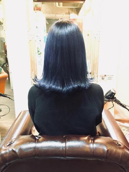 #派手髪#ネイビーブルー 1ブリーチ後ダメージなしの特殊薬剤での ネイビーブルーのデザインカラーです!!