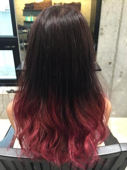 ピンクグラデーション  毛先のみのブリーチと2色のカラーで仕上げてます! ever所属・トップデザイナーオオヤカズキのスタイル