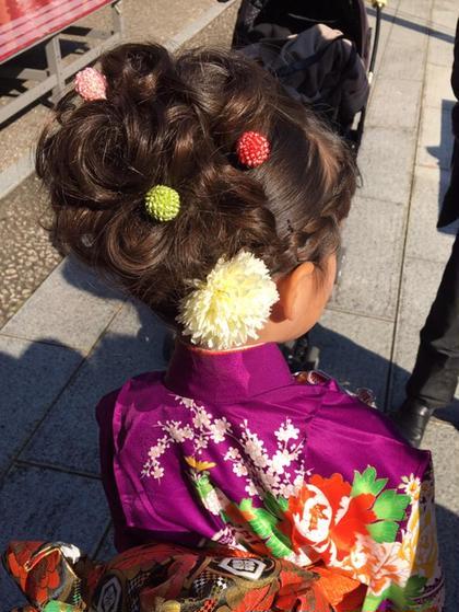 7歳七五三ヘアセットです お飾りのご相談・事前ご相談等、一生に一度のイベントヘアセットを心を込めて一件一件丁寧に承ります✨ MARIA'SFACTORY所属・hair&makeMiiのスタイル