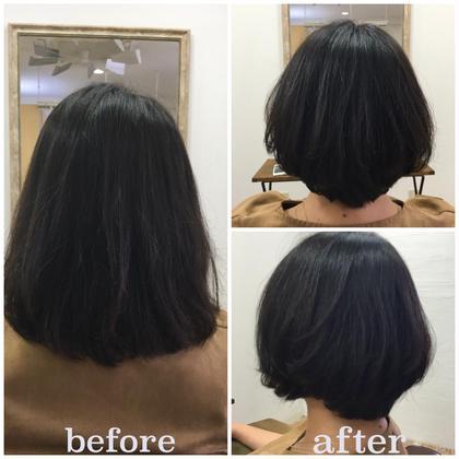 【デザインする縮毛矯正のbefore、after】 beforeは髪質硬く量も多く浮癖強くボリュームがでる、カットや通常の縮毛矯正だけではショートスタイルにすることは不可能です。 仕上げはノンブロー、乾かしただけです♪ AINEE所属・小沢秋義のスタイル