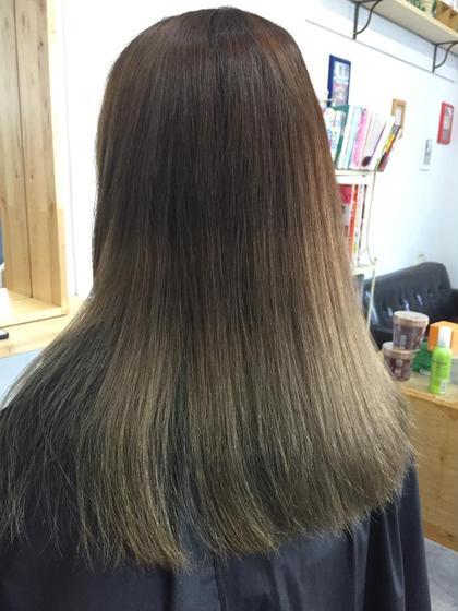 ハイトーンのナチュラルグラデーション、毛先はシルバーアッシュに仕上げてます。 hairsalonbelle所属・kosekikeitaのスタイル
