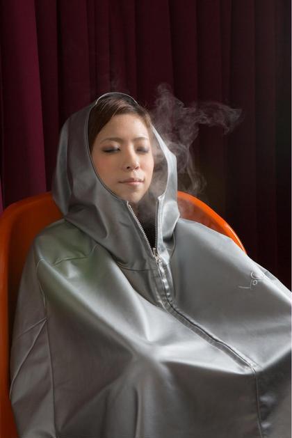 ハーブと水素のミストが全身を包み、芯から体を温めます。溜まった老廃物や余分な水分などを汗と共にジワジワと排出させていく心地よさを実感して下さい