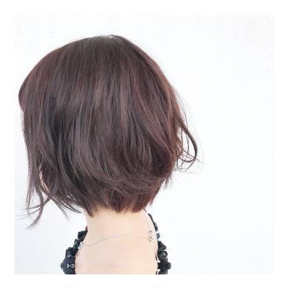 その他 ショート ヘアアレンジ ショートボブカット✨  毛量多め、普通毛で柔らかい髪質なので トップに少しだけレイヤーを入れて ふんわり仕上げました!  26mmコテで ゆるーくウェーブまき☺️