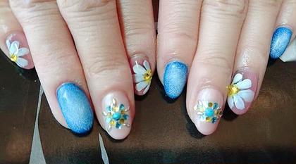 デニムにお花デザインが可愛い Nailsalon ~R~所属・嶋岡良子のフォト