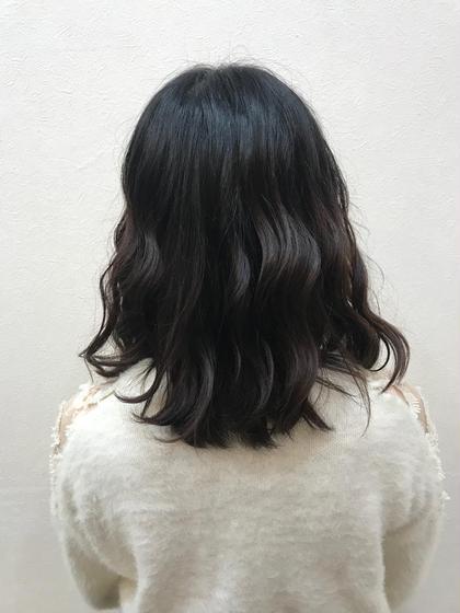毛先を整えて綺麗に伸ばせるように(*´-`)トリートメントして艶がでました☺︎♡ 茂木 恵里香のミディアムのヘアスタイル