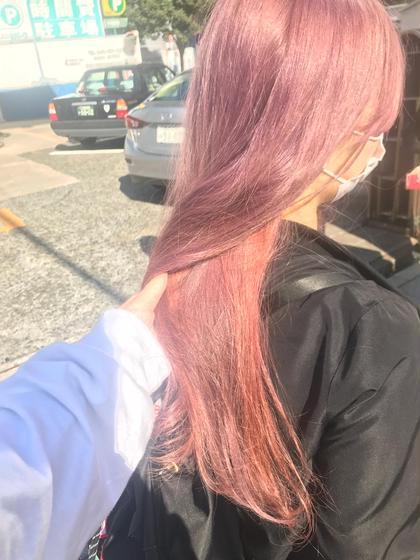 pail pink♡♡  ヘムラインに違う色味のPINKを入れています♡  レイヤーが入っていたので  韓国っぽくする為に重ためにカットして  前髪もシースルーに♡  (髪質によってBLEACH回数が異なります!1BLEACH+4000円) MU所属・waizumiryoのスタイル