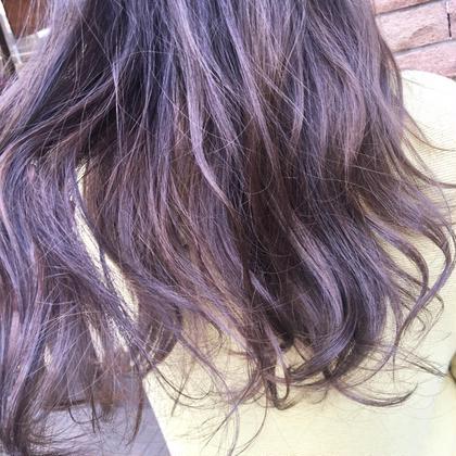 ハイライトを生かして  グレー系 RISA hair design所属・半田結衣子のスタイル