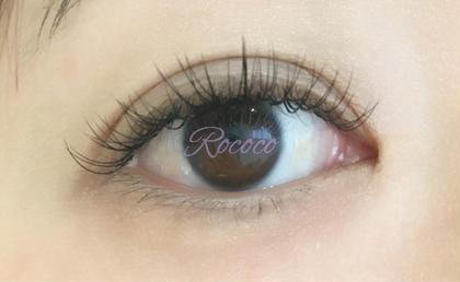 目の丸みに合わせて長さを調節している  一番ベーシックなデザインです。  真ん中が目頭、目尻より少し長さを  出しているので目の形を  自然に丸く見せることが出来ます♪ Rococo所属・TakakiMarikoのフォト