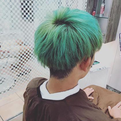 💥ブリーチオンカラー💥  エメラルドライム🔥🔥 石川幸二のメンズヘアスタイル・髪型