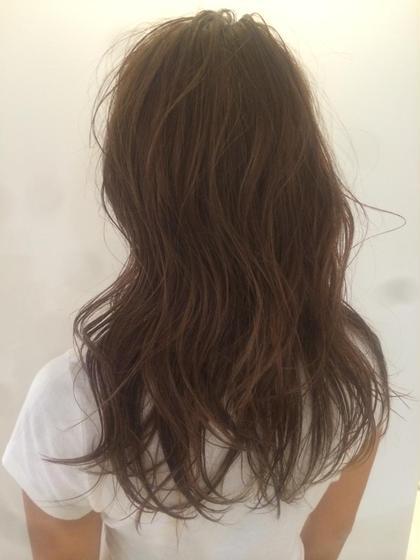 得意な透ける質感ヘアカラー 赤みの強く出やすい髪質でもお任せください♡ ca'livio hair所属・木原和樹のスタイル