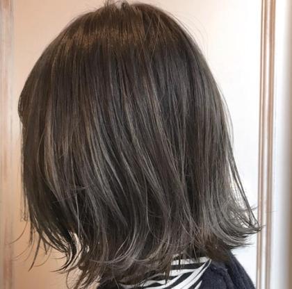 お客様スナップ☆  ハイライト×グレージュ   YUTAROのミディアムのヘアスタイル
