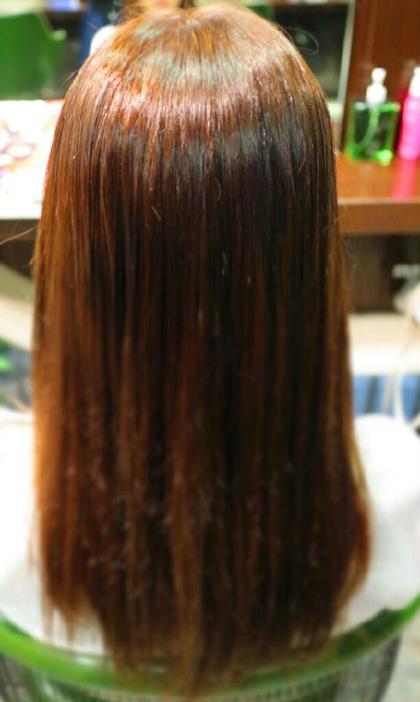 根元9-fmA,7-fmA 6% 毛先11-fmA,11-iPT 3% rave Actionand Hair!所属・平塚千尋のスタイル