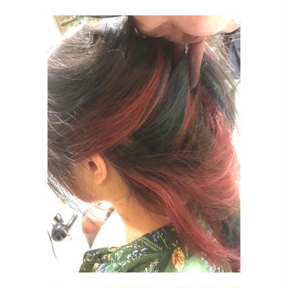 カラー ロング long style . inner color 【 pink & blue 】    夏のインナーカラー、 大人気です💓   2色以上だと プラス料金かかりますが、 入れれば入れるほど 個性的 & お洒落 で 可愛いです🙆✨   何色でも綺麗に入れるので、 髪も夏仕様にして 気分を上げましょう😆✨
