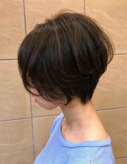 岡本 睦のショートのヘアスタイル