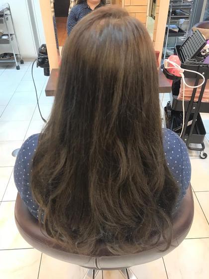 グレーパールで染めました! 元々は明るい髪色を落ち着かせました(^^) aL-ter LieN所属・島田 菜央のスタイル