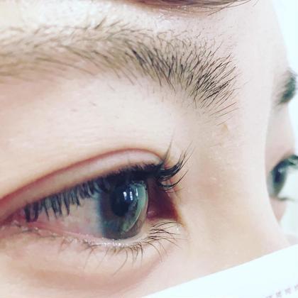 まつげパーマMサイズ  根元から立ち上げ瞼もリフトアップ  まつげの長さや目のかたちにより仕上がりがかわりますのでご相談ください。