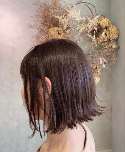 外ハネで大人キレイに! ダメージも最小限に!クセや髪質に合わせたカットで最大限にキレイな長さに! niche所属・落合妙佳のスタイル
