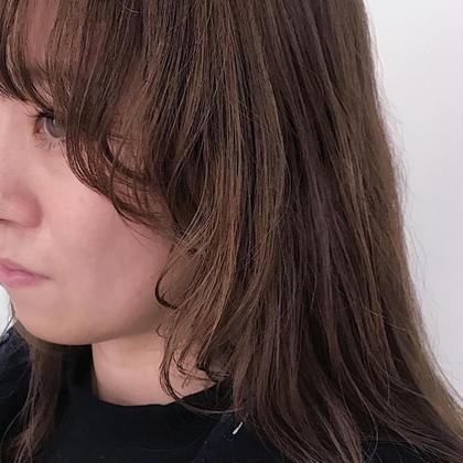 カラー 重ためロングから、顔まわりをマッシュに切り込んだnew hair!!  長さを変えなくても、レイヤーを入れ形を変えることで印象をガラッと変えることができます!  ダークベージュでこの冬シックな印象に仕上げましょう!!  お待ちしております^^!                                                MIKA                          instagram/@mika___ishibashi