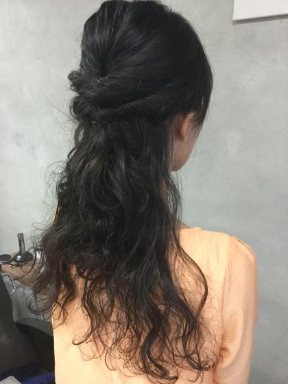 簡単くるりんぱハーフアップ hair make little parks所属・後藤健史のスタイル
