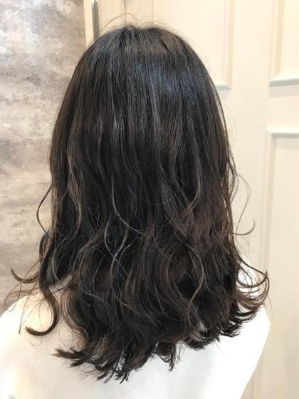 【✨♠️黒髪に見える透明感カラー♠️✨】グレー・シルバーを使い、透明感ナチュラル暗髪&カット&トリートメント