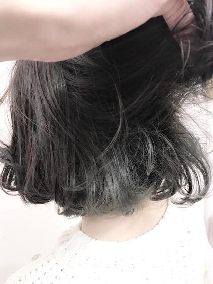 インナーカラーでブリーチしてからホワイトグレーでカラー✨ トップスタイリストSegawaのヘアカラーカタログ