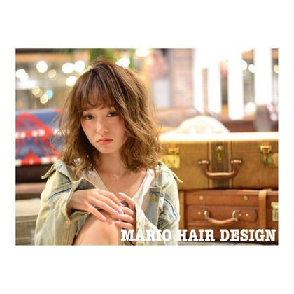 カラー ミディアム medium style × high tone beige ✨    明るめのベージュで、 夏っぽく。    表面を動かして、 ワックスで散らせば可愛くセットできます💕   スタイリングのコツ、 教えます!!✨