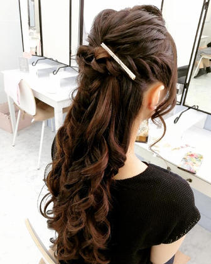 上品ハーフアップ☆結婚式やパーティーに☆前髪ポンパでも顔周り隠せます♪ Lunette 下北沢店所属・OKUYAMAIKUEのフォト