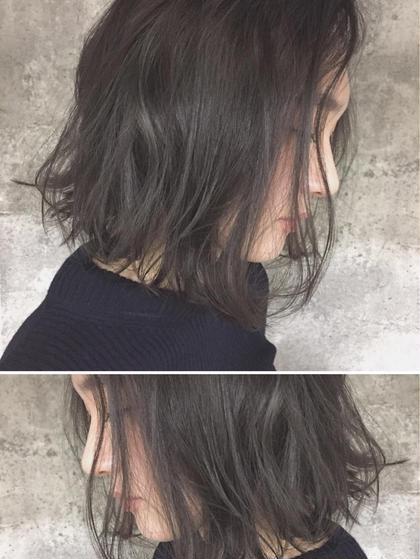 Real salon work セクションハイライト×ダークグレイッシュ  トップゾーンのみのハイライトで低ダメージでダークグレイッシュカラーを表現。 仲井弘樹のミディアムのヘアスタイル