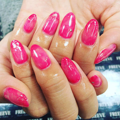 女の子の好きなピンクに さりげないシェル、ラメ、ブリオンで 愛されネイル✡。:* FREEVE所属・#M A Iのフォト