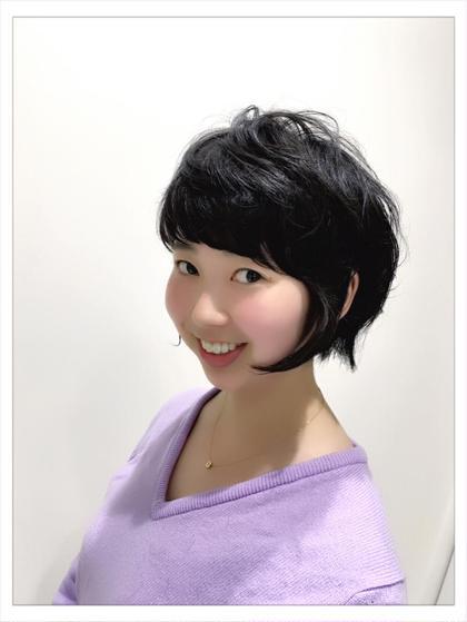 2004 S/Sのスタイル LOU でカットしました。 毛量も多く髪質も硬い髪ですがエフィラージュを駆使し さらにエアウェーブで質感を良く仕上げました。 モッズヘア札幌駅PASEO店所属・鹿内章範のスタイル