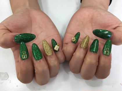 緑〜グリーンのラメもいいね k-nail所属・K-nailK-nailのフォト