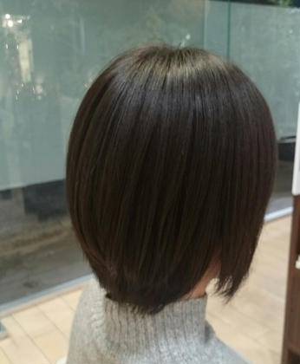 前下がりボブ OASIS hair mode所属・山岡莉帆のスタイル