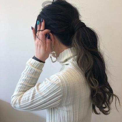 インナーカラー×グレージュ bisou  hair所属・屋比久真里奈のスタイル