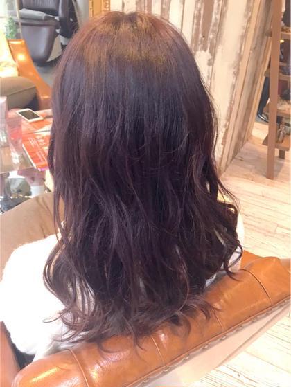 Designer_幡本千華のロングのヘアスタイル
