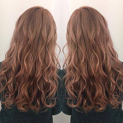 最先端❤️外国人風カラー❤️ ピンク系カラーで可愛く☺️ 西坂絵里のロングのヘアスタイル