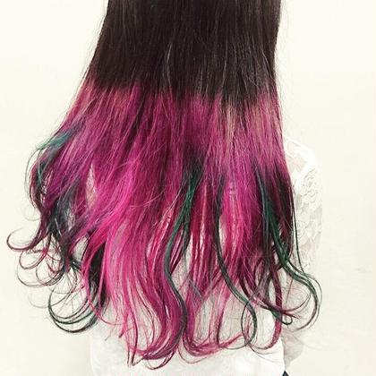 技術者YUICHIさんです! グリーンがアクセントの色鮮やかなカラーです! Hair&MakeZEST吉祥寺店所属・ZESTカラーリストあぜげのフォト