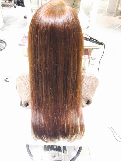 髪の赤みを消してベージュを入れました。11レベルの明るいカラーです。 女の子らしい柔らかい色味です。 dot.hair所属・檀上幸美のスタイル