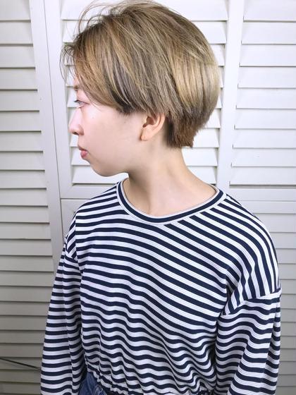 その他 カラー ショート パーマ ヘアアレンジ Real salon work💈 【 short / blond bleach 】 . ショート&ブリーチかわいい☺︎ ✶ ✶ ブリーチして毛先に うすーくash❄️ . 根元空けブリーチで頭皮ノンダメージ🌿 ショートヘアはブロンドっぽくがクールでかわいい◎ . . #NAKAIstyle #ショートヘア#ブロンドカラー