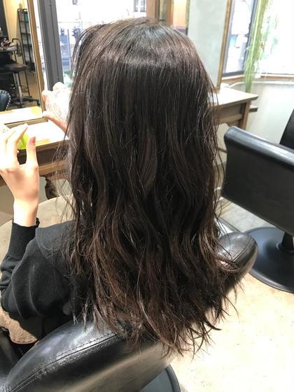 【アッシュグレージュ】 赤みを削ったカラー トーンダウンでも暗くなりすぎず オシャレに hair&spa an  contour所属・鈴木輝のスタイル