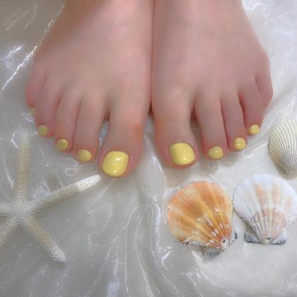 ワンカラー♡ミルクレモン  黒のサンダルが多いとのことだったので、派手になりすぎない柔らかい色味の黄色にさせていただきました🍋✨ お手持ちのサンダル、お洋服に合わせてお色味提案させていただきます♡♡  ありがとうございました♡ 櫻井夏海の