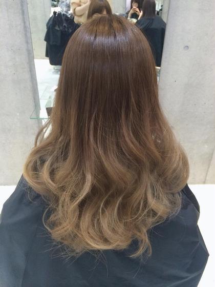 アッシュベージュ系のグラデーションカラーです(*^^*) SENSE  Hair所属・みやもとはるなのスタイル