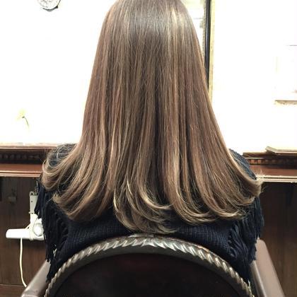 ☆アッシュグレー☆ ☆外国人風カラー☆ ☆ウィービングハイライト☆ MOF HAIR SALON所属・イチハラショウのスタイル