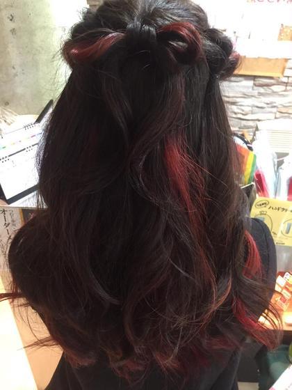赤マニキュアにリボンを作りました ブレス桂店所属・竹房春菜のスタイル