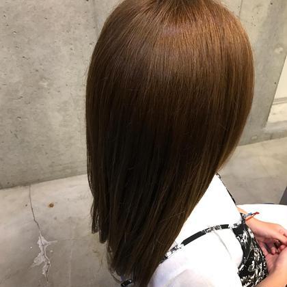 カラーモデルさん(^^)✨ 毛先にブリーチ毛が残っていたのでイルミナカラーを使い艶と透明感を出しつつ、全体的にアッシュ系のグレージュで仕上げました!! 本日もありがとうございました✨✨ Liberty-L所属・中島啓貴のスタイル