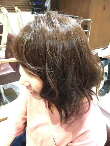 秋カラー✩アッシュブラウン Aura野田阪神店所属・清水智子のスタイル