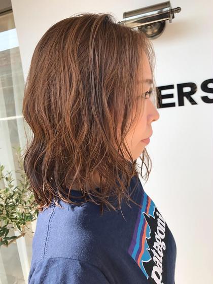 パーマ コスメパーマなら髪の毛にも優しくダメージが少なくカールがキレイに出るのが特徴(^ ^)  ツヤ感のあるぷるんとしたカールが長持ちします♪